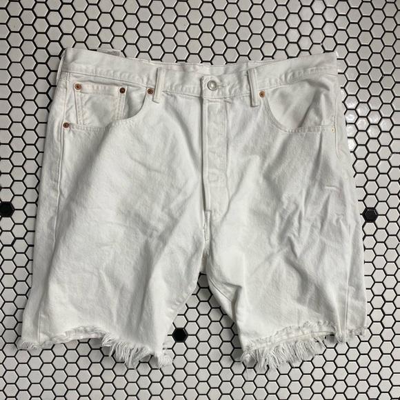 Levi's 501 (CT) size 38 white cut off shorts